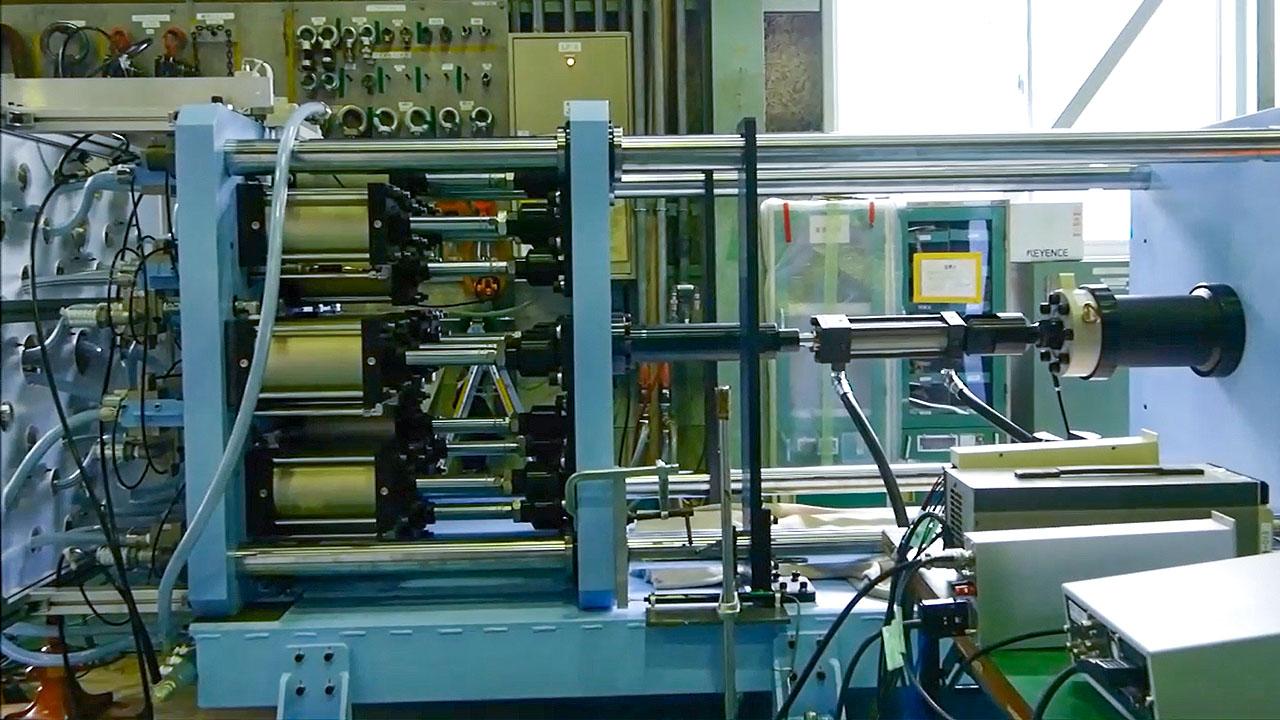 大型アクチュエータ用定常負荷印加装置